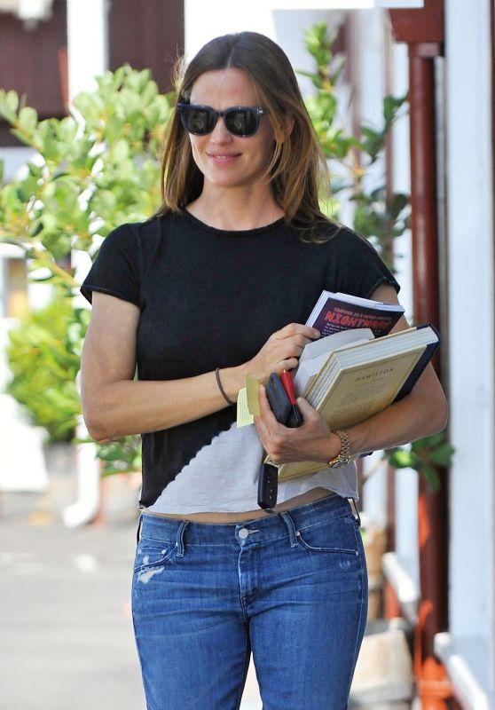 Jennifer Garner - Leaving a Bookstore in Brentwood, July 2016