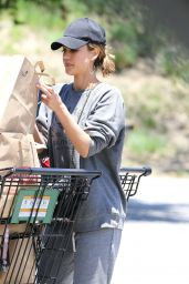 Jessica Alba Street Style - Grocery Shopping in Malibu, July 2016