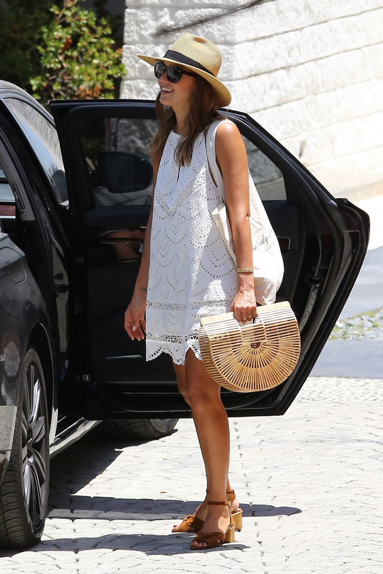 Jessica Alba Summer Outfit