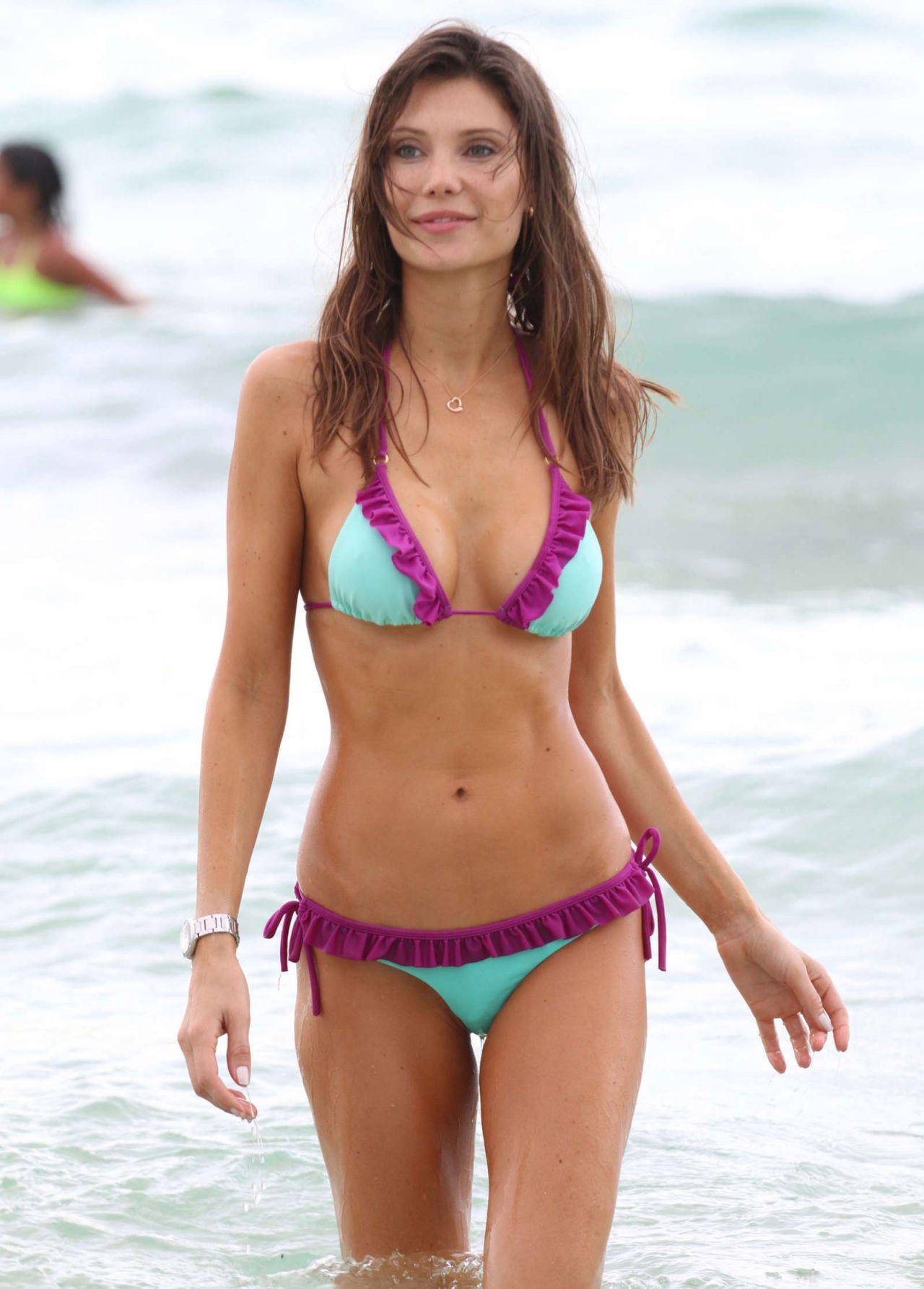 Julia Pereira Hot in Bikini - Miami, July 2016 • CelebMafia