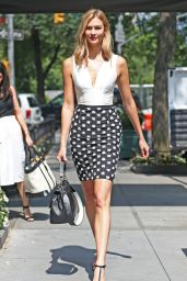 Karlie Kloss Chic Outfit - New York City 7/13/2016