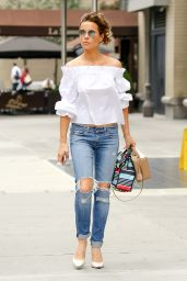 Kate Beckinsale is Cute in Ripped Jeans - New York City, July 2016