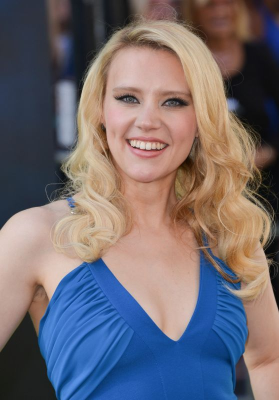 Kate McKinnon – Sony Pictures' 'Ghostbusters' Premiere at TCL Chinese Theatre in Hollywood