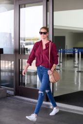 Kate Upton - Arriving into LAX Airport in Los Angeles 7/15/2016