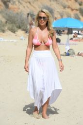 Kate Wright – Filming 'The Only Way is Essex' on Magaluf Beach 7/4/2016