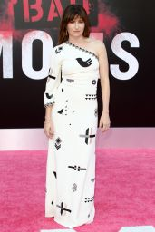 Kathryn Hahn – 'Bad Moms' Premiere in Los Angeles