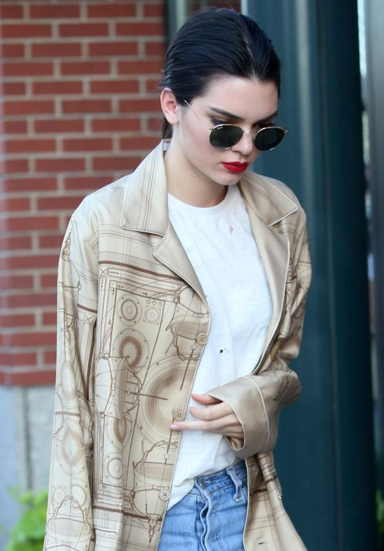 Kendall Jenner - Out in NYC 6/30/2016