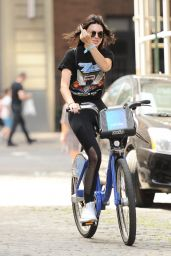 Kendall Jenner - Riding Around With Her Bike in NYC 07/24/2016