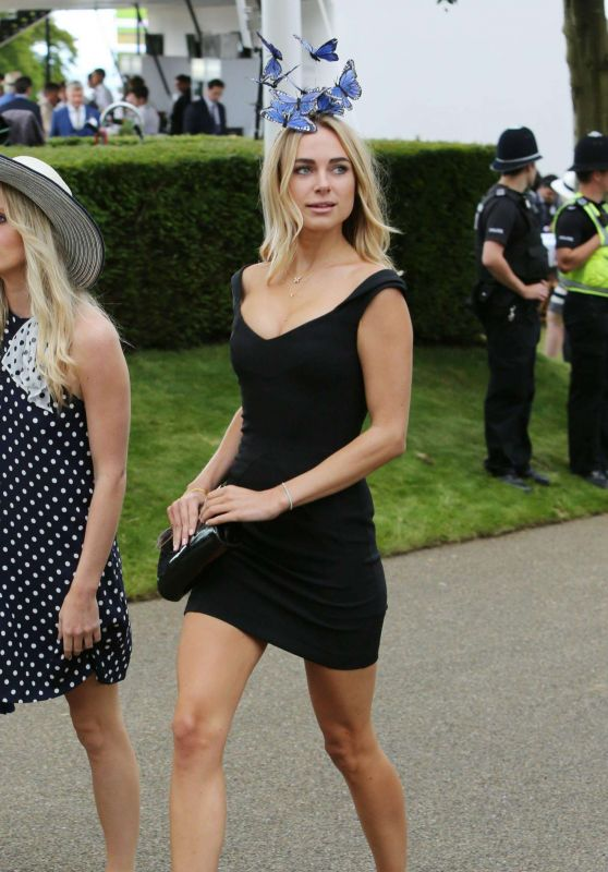 Kimberley Garner - Arriving at Day On0e of the Qatar Goodwood Festival in Sussex 7/27/2016