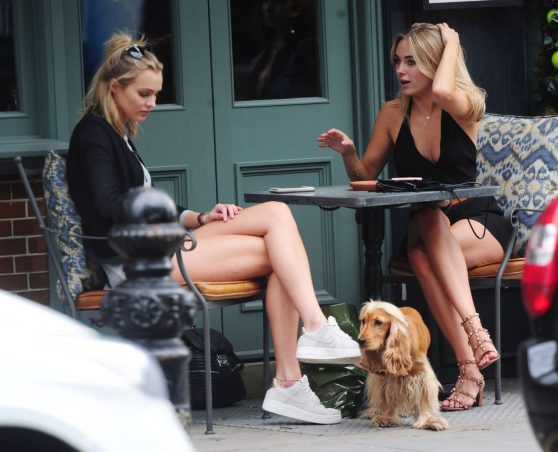 kimberley-garner-having-drinks-with-a-friend-at-the-ivy-chelsea-gardens-in-london-6-30-2016-1