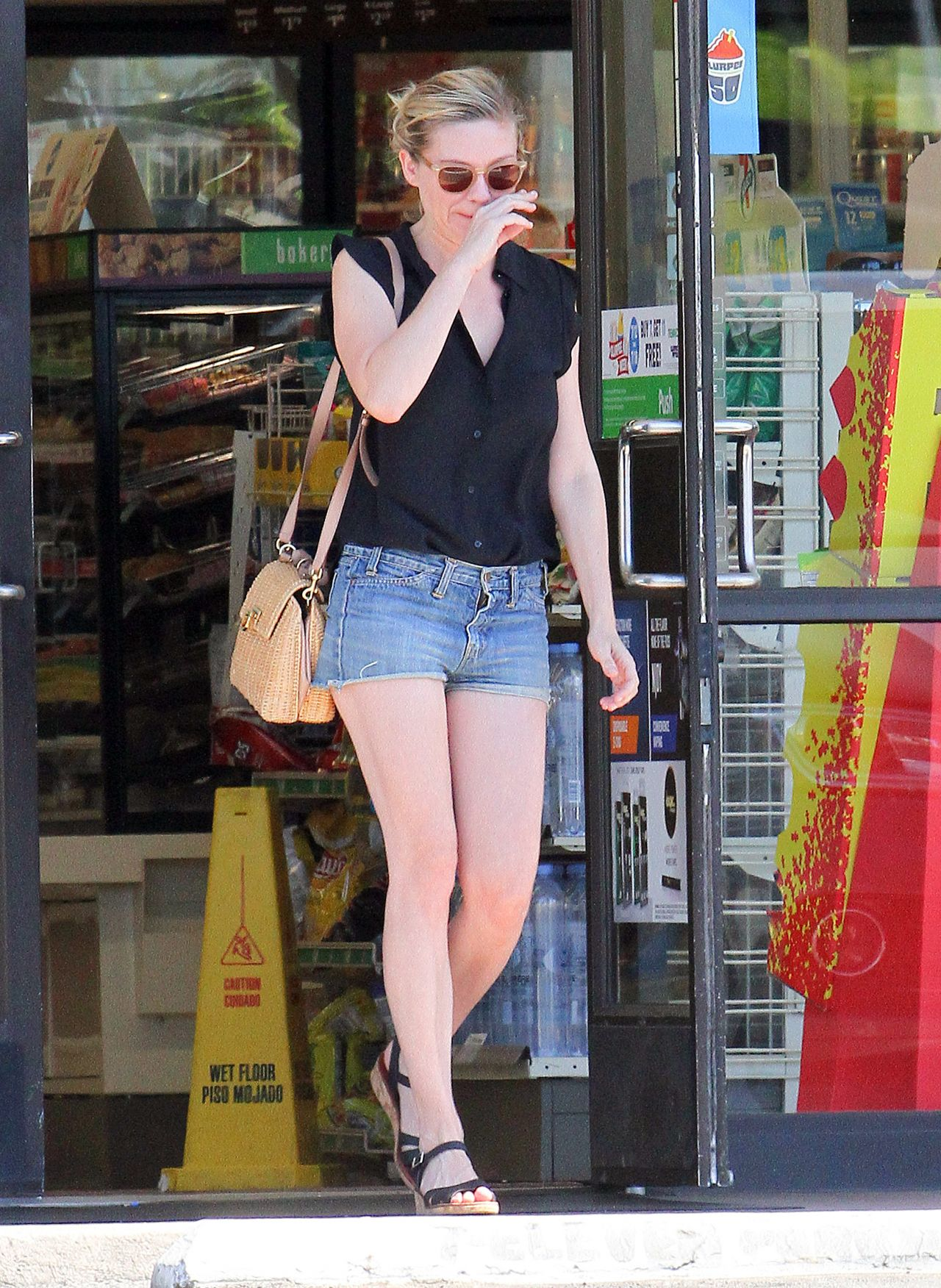 Dunst Leggy in Jeans Shorts - 7 Eleven in Los Angeles 7/20/2016