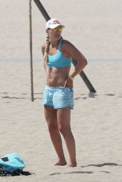 Lindsey Vonn - Working Out on Santa Monica Beach 7/15/2016