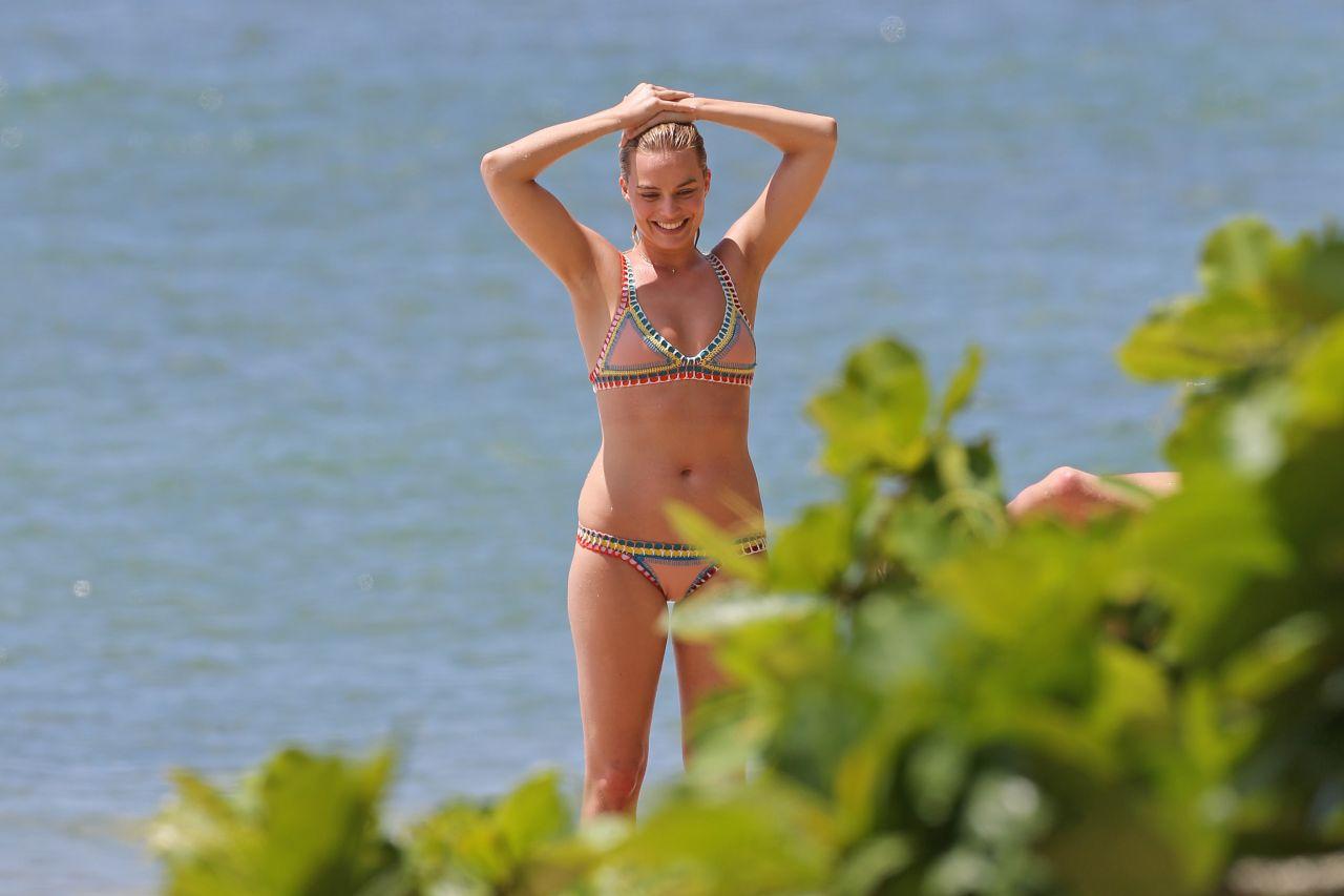 Margot Robbie Hot in Bikini - Beach in Hawaii July 14th