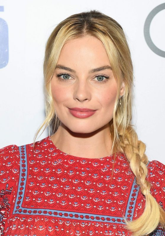 Margot Robbie | 18 Best Celebrity Eyebrows That Won The On-Fleek Crown