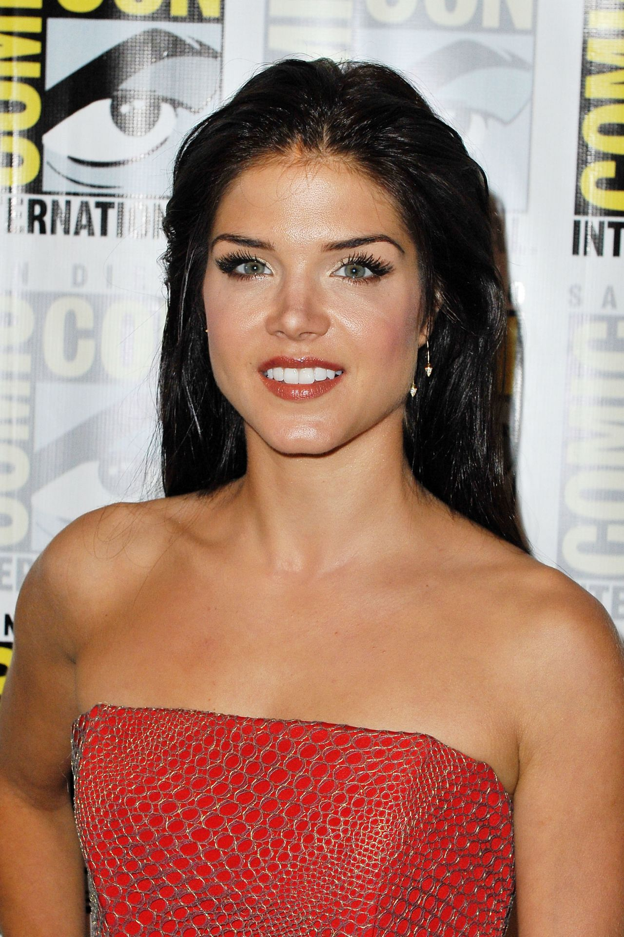 Marie Avgeropoulos - '...
