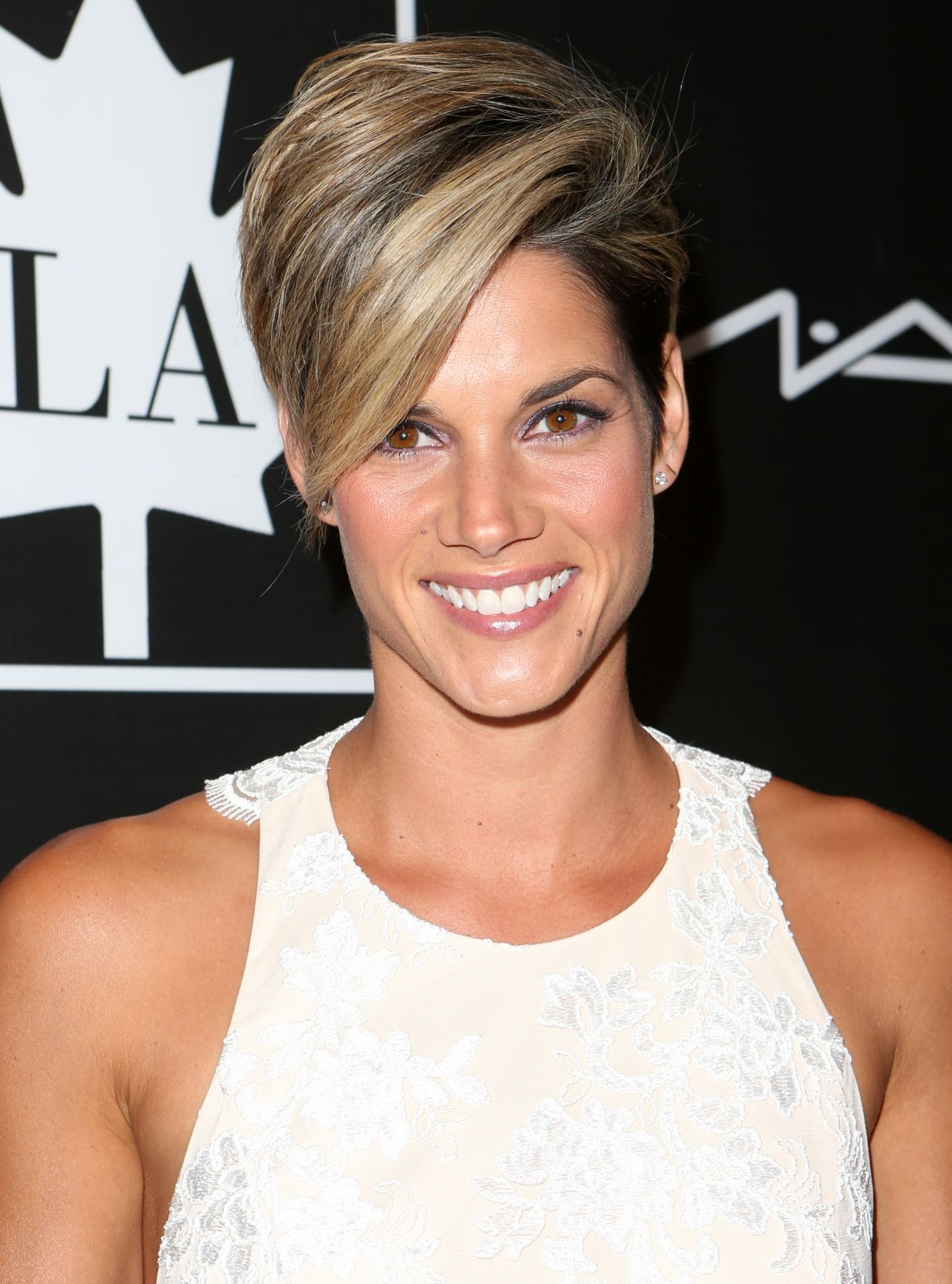 Missy Peregrym Latest Photos Celebmafia