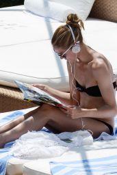 Olivia Palermo in a Bikini - Capri, 07/08/2016