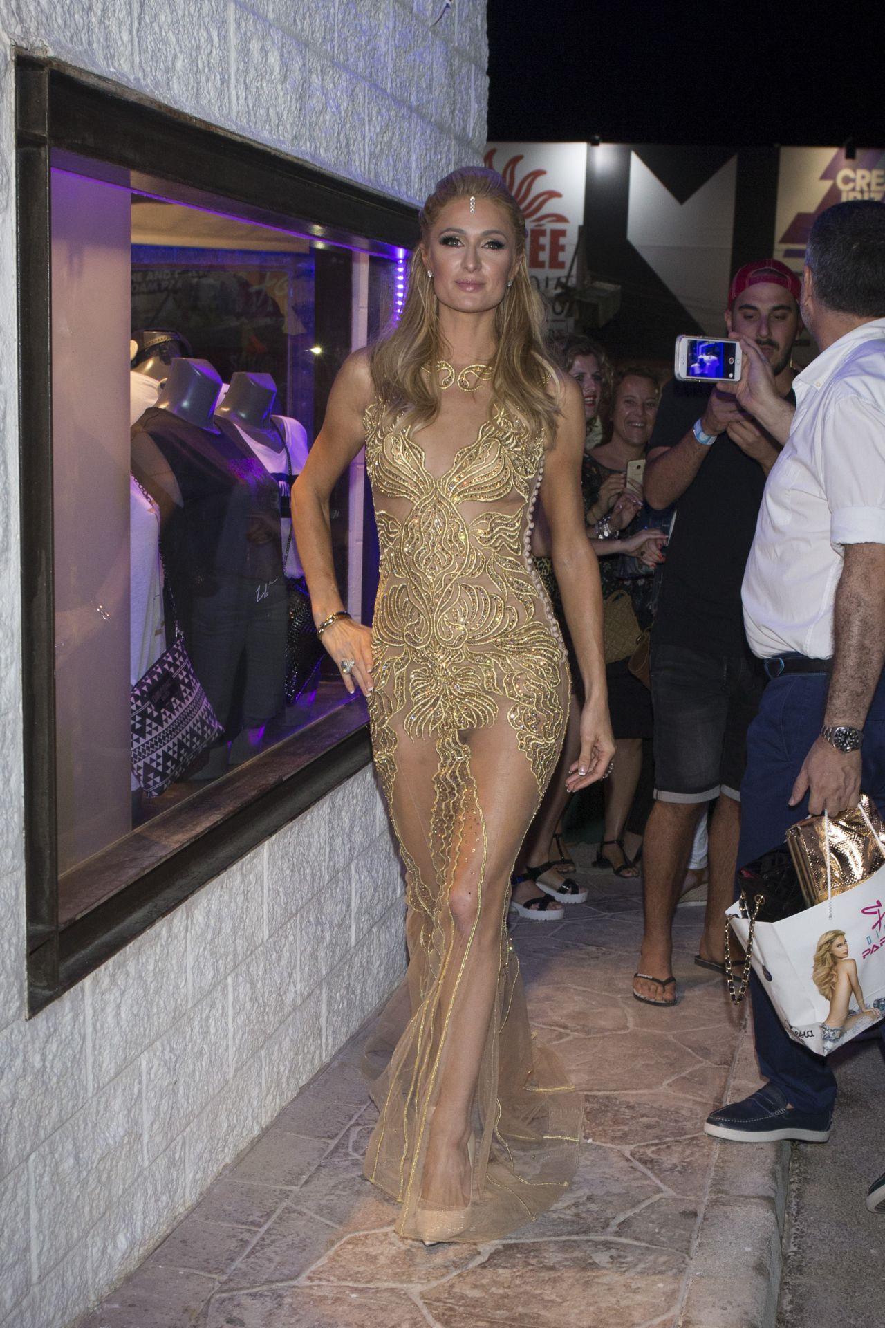 Paris hilton 39 foam diamonds 39 opening party in ibiza 7 - Paris hilton ibiza ...