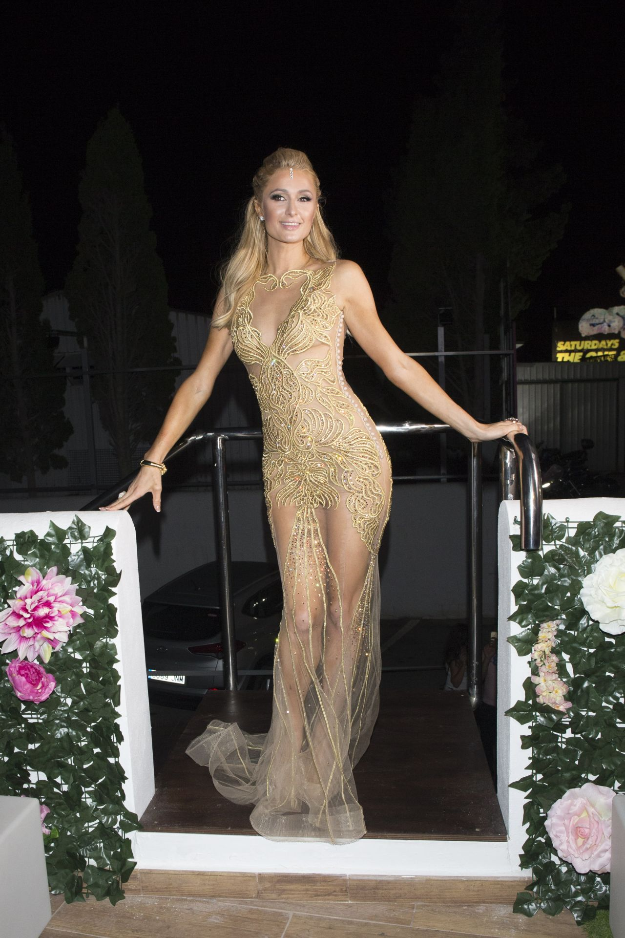 Paris Hilton Foam Amp Diamonds Opening Party In Ibiza 7