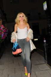 Pixie Lott - Leaving the Haymarket Theatre Royal London, 07/11/2016