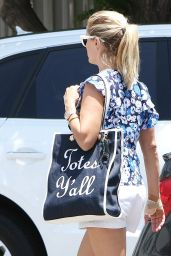 Reese Witherspoon Cute Style - Culver City 7/8/2016