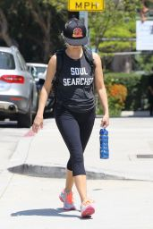 Reese Witherspoon in Leggings - Brentwood, July 16 2016