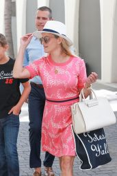 Reese Witherspoon - Shopping in Beverly Hills 7/12/2016