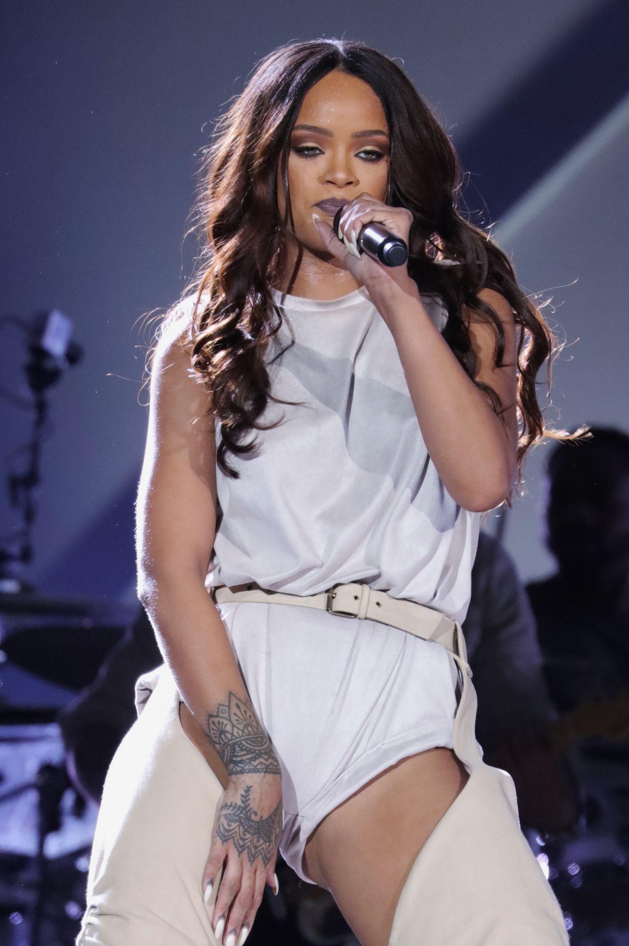 Rihanna - Performs at Meazza Stadium in Milano, Italy 7/13 ... Rihanna 2016