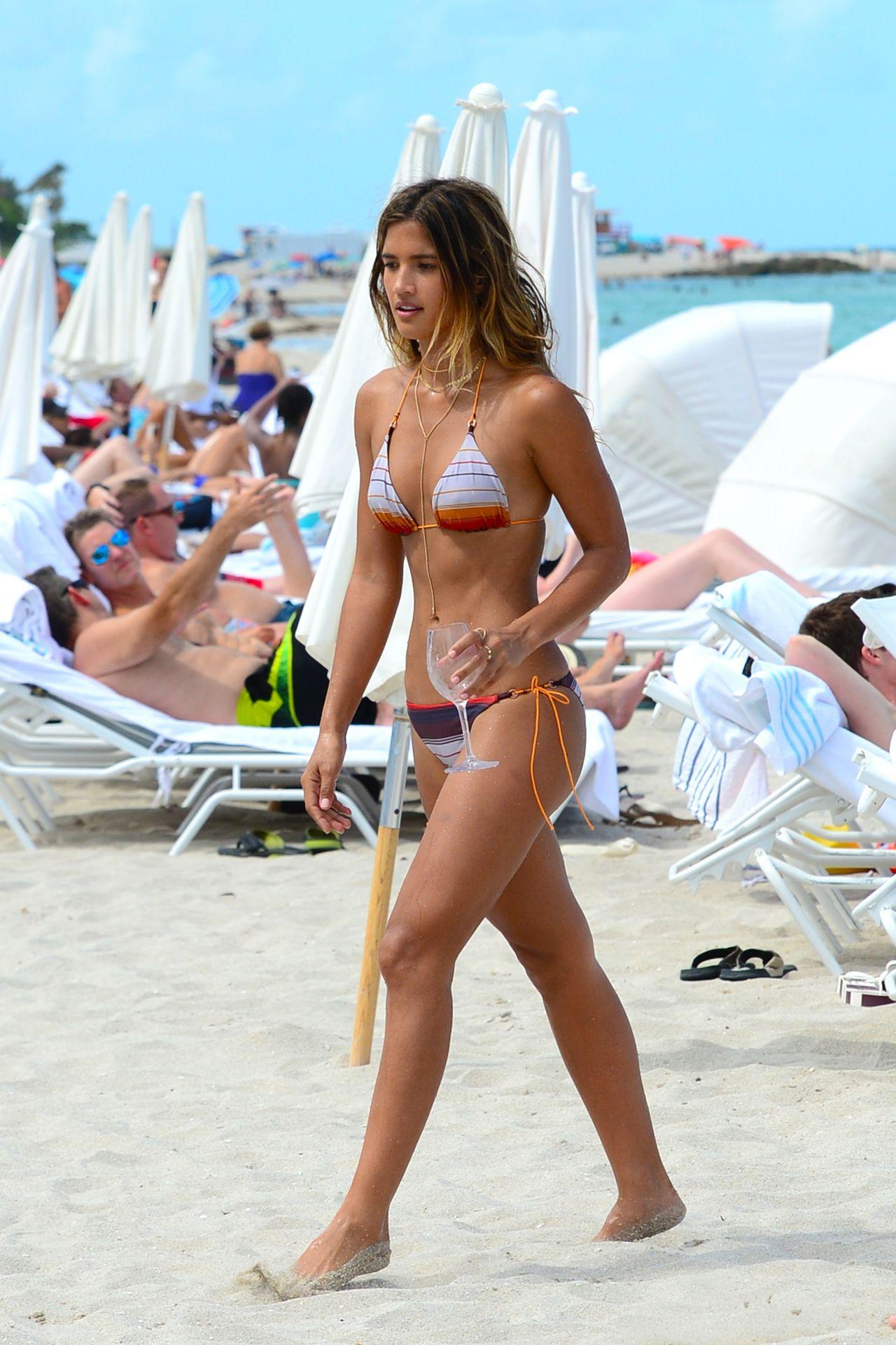 Paparazzi Rachel Barnes nude (58 images), Bikini