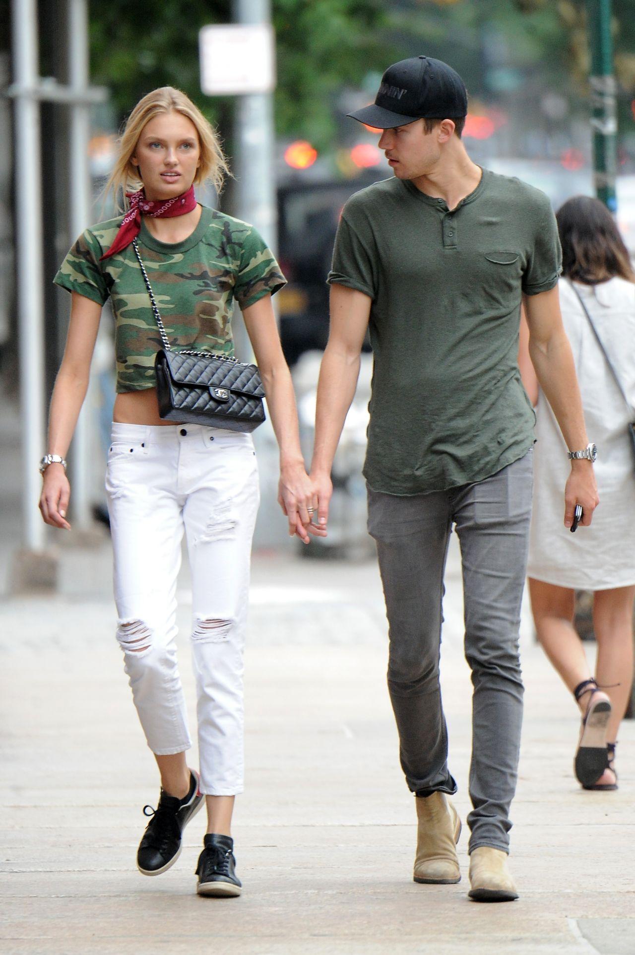 Romee Strijd Street Style Tribeca 7 7 2016