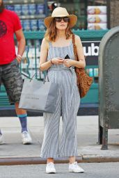 Rose Byrne Cute Street Style - NYC 07/26/2016