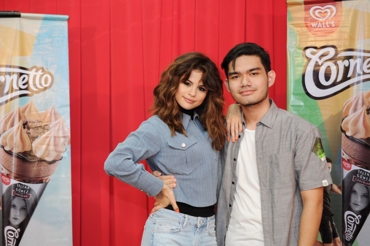 Selena gomez meet greet at the malawati indoor stadium in kuala selena gomez meet greet at the malawati indoor stadium in kuala lumpur malaysia july 2016 m4hsunfo