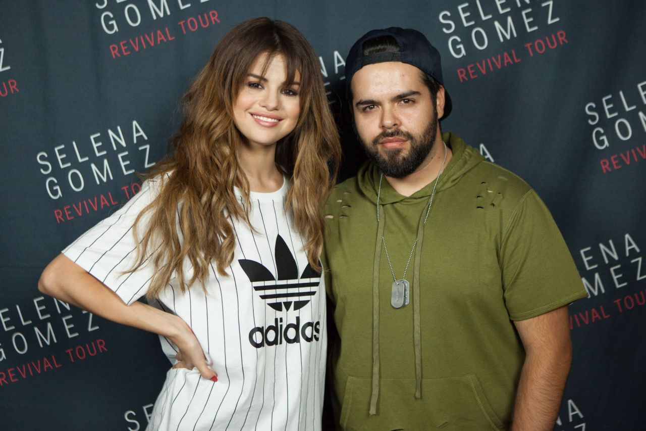 selena gomez meet and greet 2011 ford