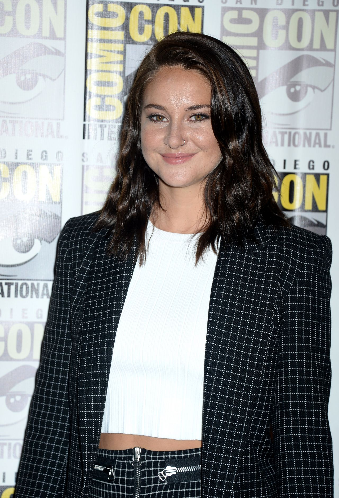 Shailene Woodley Snowden Press Line At Comic Con In
