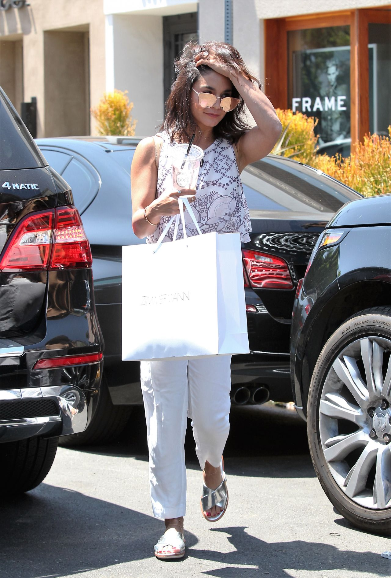 vanessa hudgens casual style shopping in los angeles 78