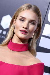 Rosie Huntington-Whiteley – 'Mechanic: Resurrection' Premiere at ArcLight Hollywood, in LA 8/22/2016