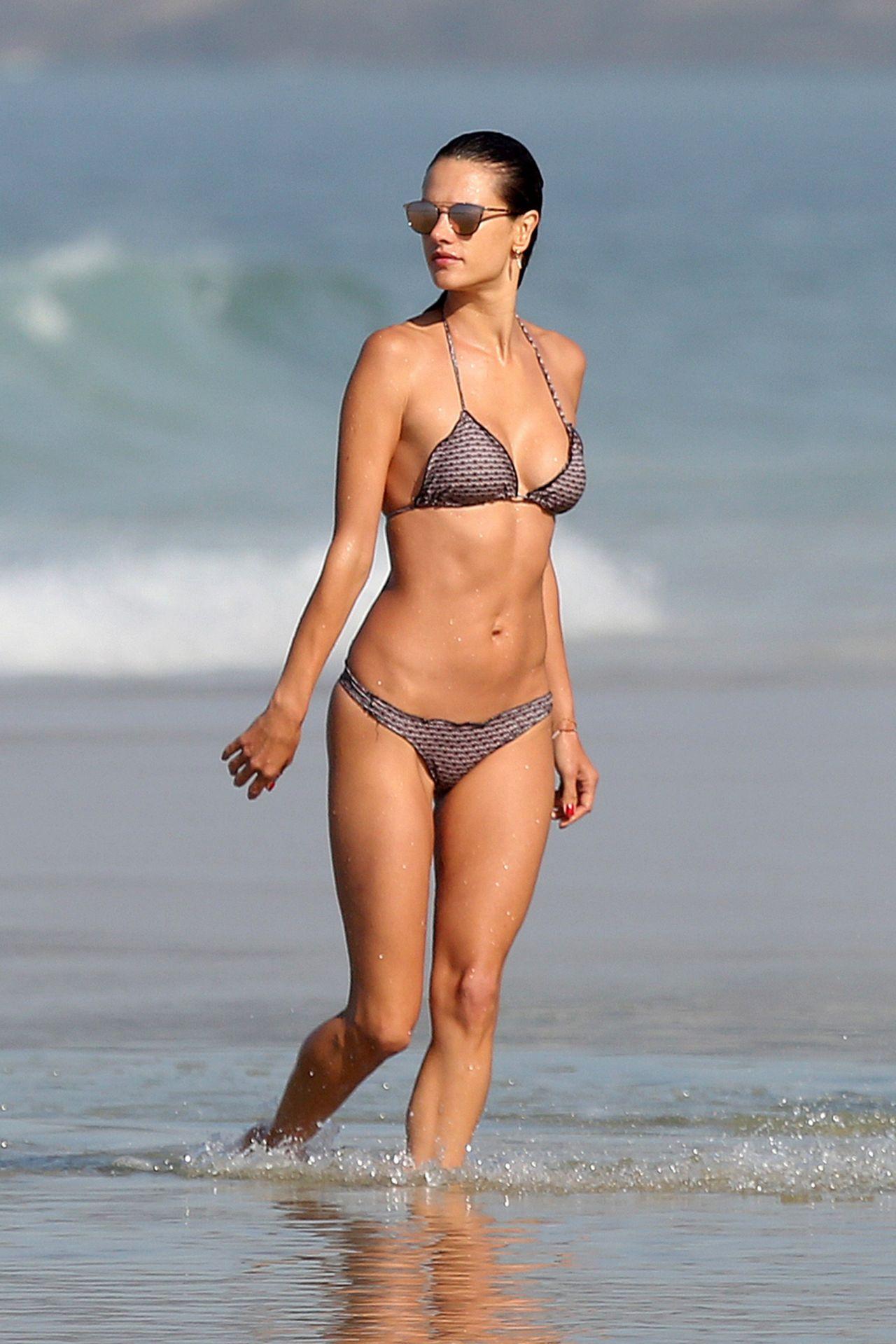 Alessandra Ambrosio in Bikini - Ipanema Beach in Rio de ... алессандра амбросио