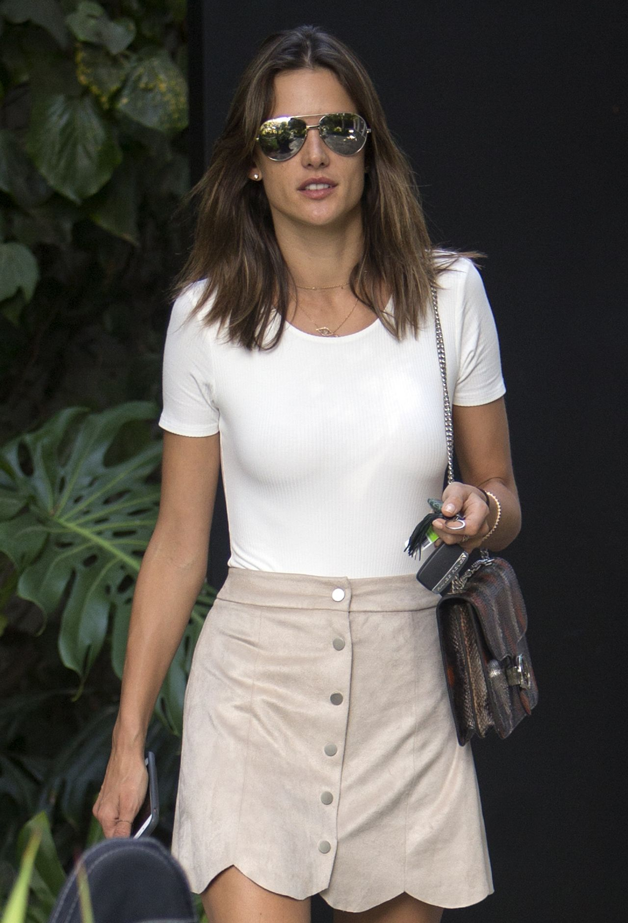 Alessandra Ambrosio Summer Style - Out in West Hollywood 8 ... Alessandra Ambrosio
