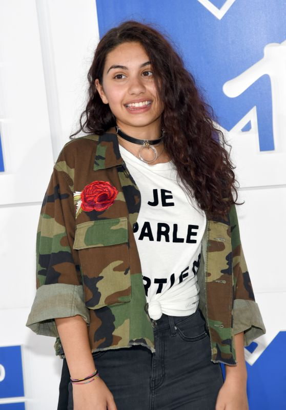 Alessia Cara – MTV Video Music Awards 2016 in New York City 8/28/2016