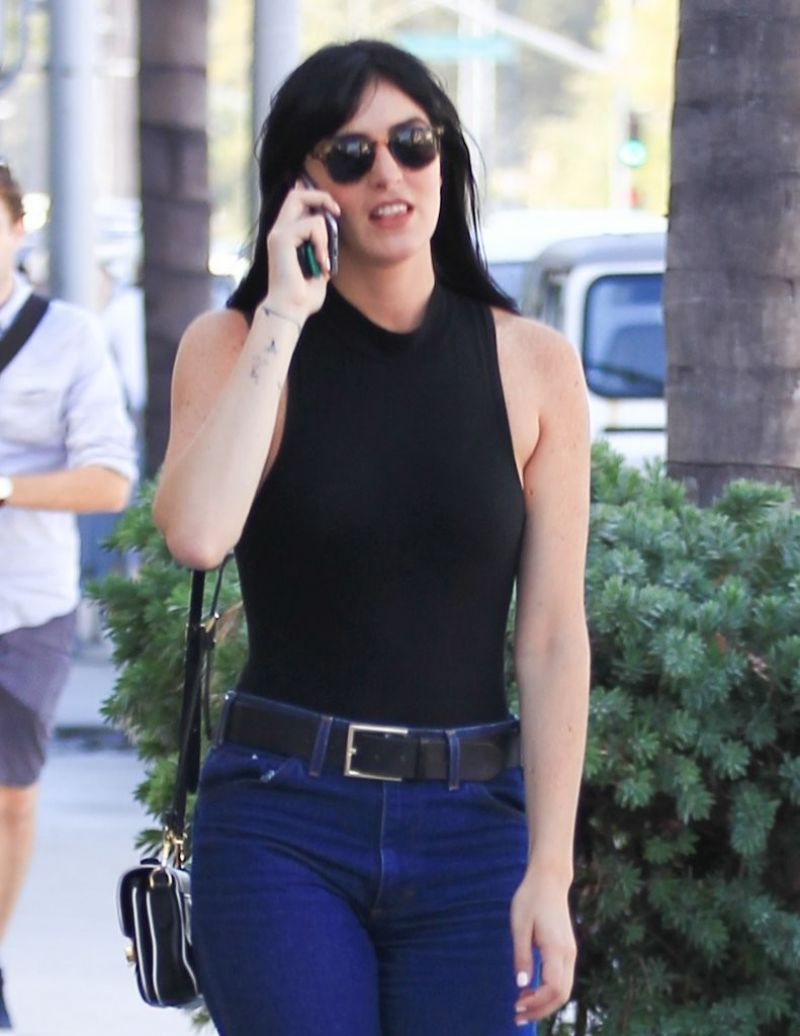 Ali Lohan  Out in Beverly Hills 8/18/2016 - Demi Lovato Hairstyles