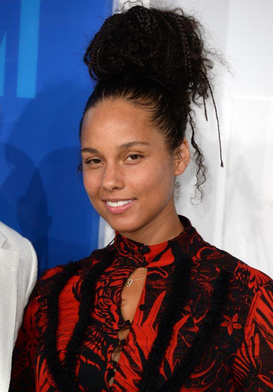 Alicia Keys  – MTV Video Music Awards 2016 in New York City 8/28/2016