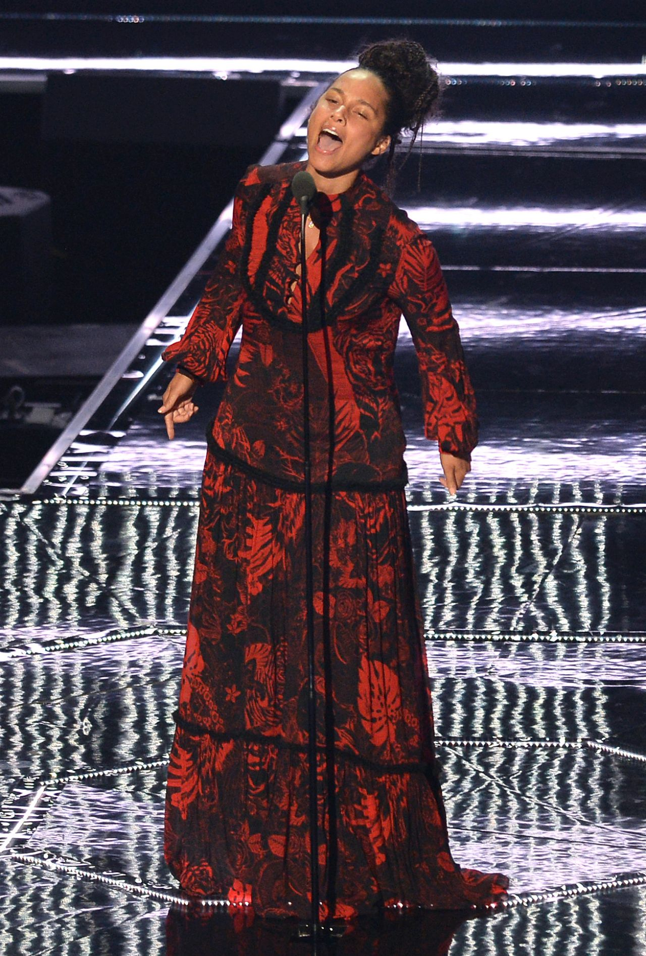 Alicia Keys – MTV Video Music Awards 2016 in New York City ... Alicia Keys New York
