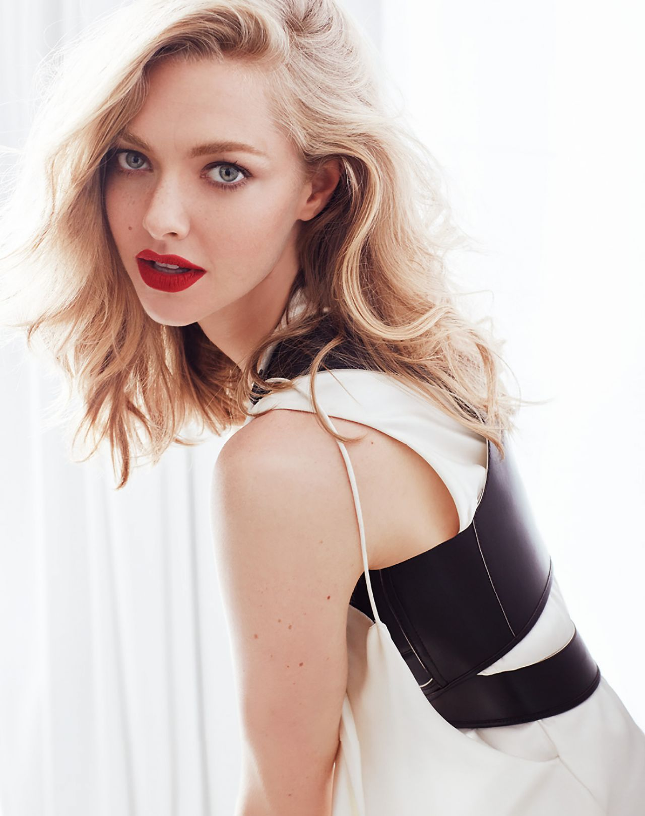amanda seyfried photoshoot august 2016