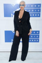 Amber Rose – MTV Video Music Awards 2016 in New York City 8/28/2016