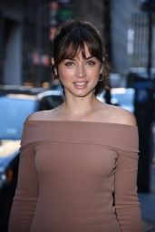 Ana De Armas - Outside