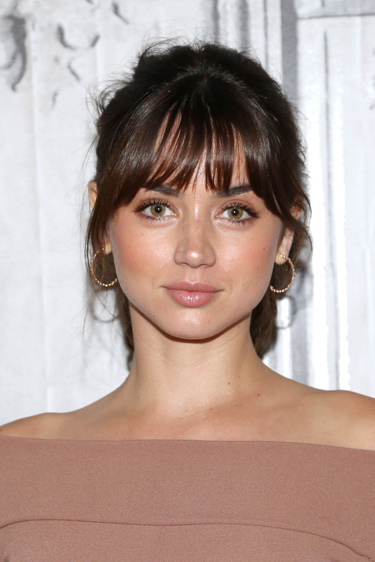 Ana De Armas Visited Aol Build In Ny 8 22 2016