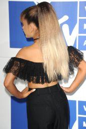 Ariana Grande – MTV Video Music Awards 2016 in New York City 8/28/2016