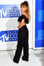 Ariana Grande – MTV Video Music Awards 2016 in New York City 8/28/2016