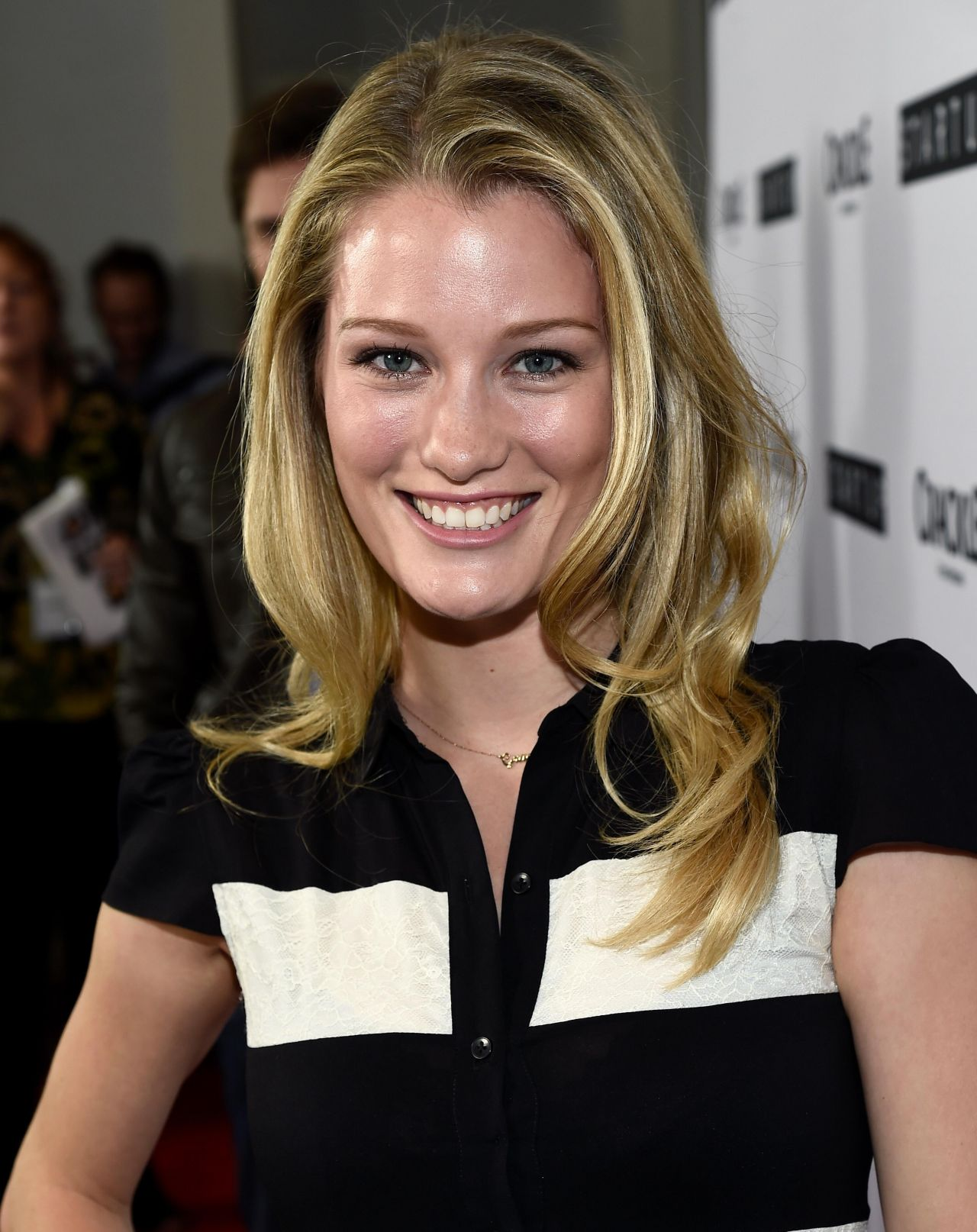 Ashley Hinshaw Nude Photos 21