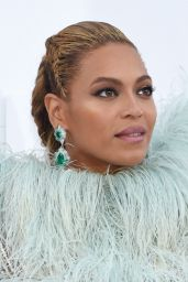 Beyonce – MTV Video Music Awards 2016 in New York City 8/28/2016